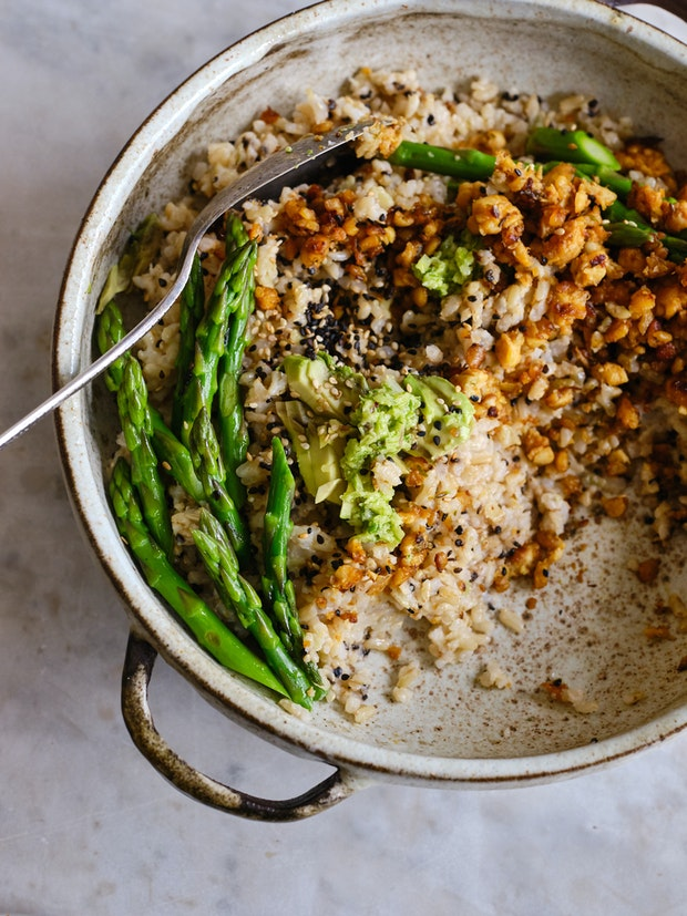 Spicy coconut rice in sesame seeds